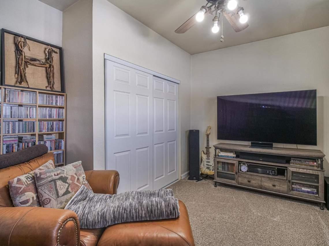 Bonus-TV-Room