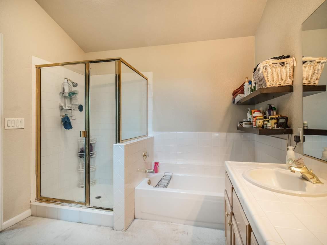 11-Master-Bathroom-2