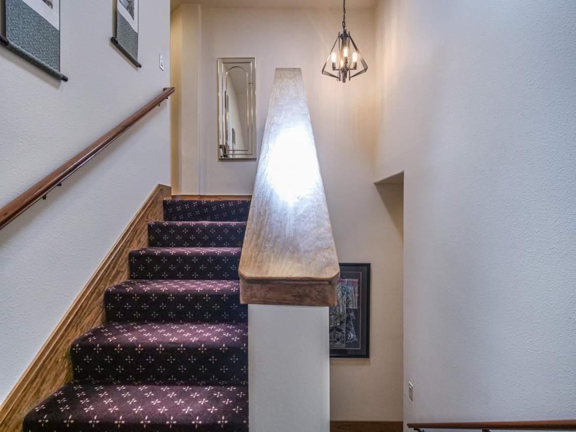 32-Stairway