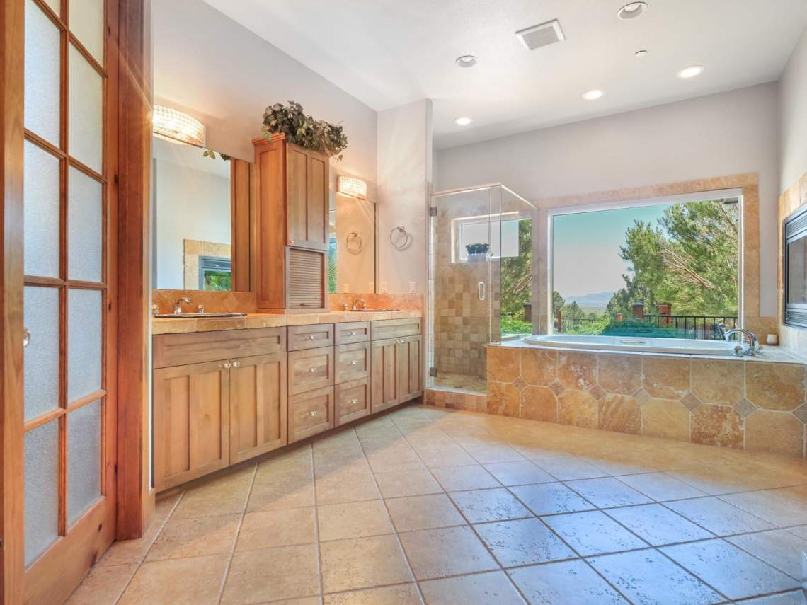 8-Master-Bathroom