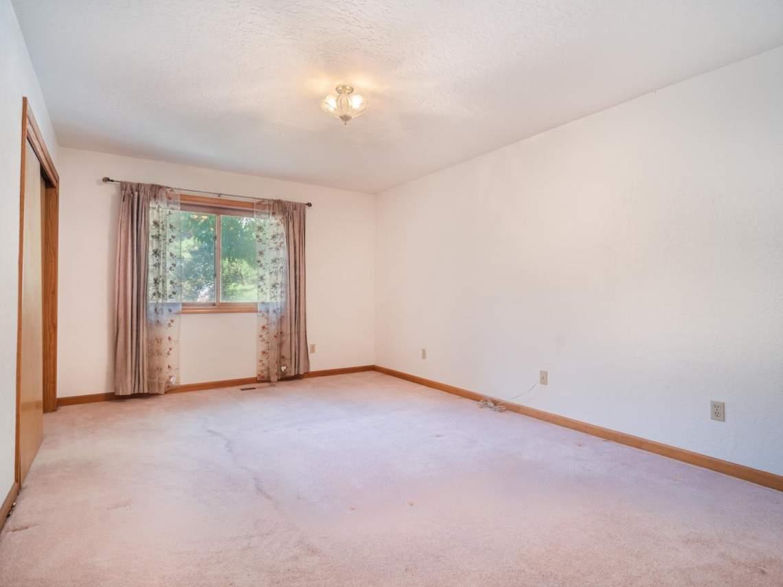 27-1st-Bedroom