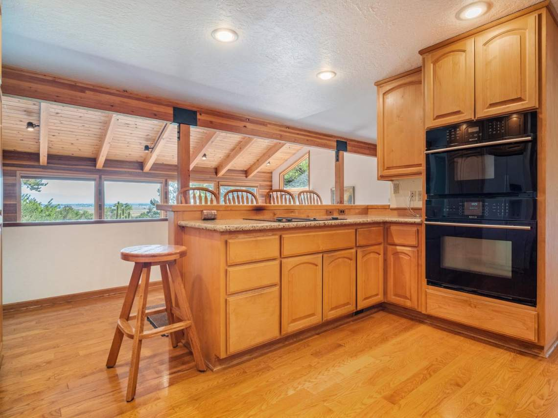 6-Kitchen-with-View